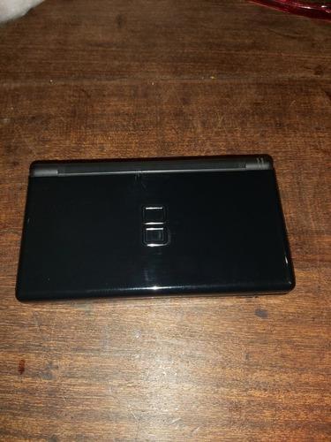 Nintendo Ds Lite Negra Con Cargador Y Transformador.