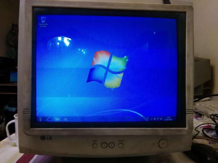 Monitor Lg 500g De 15 Pulgadas, Funcionando Y Con Protector.