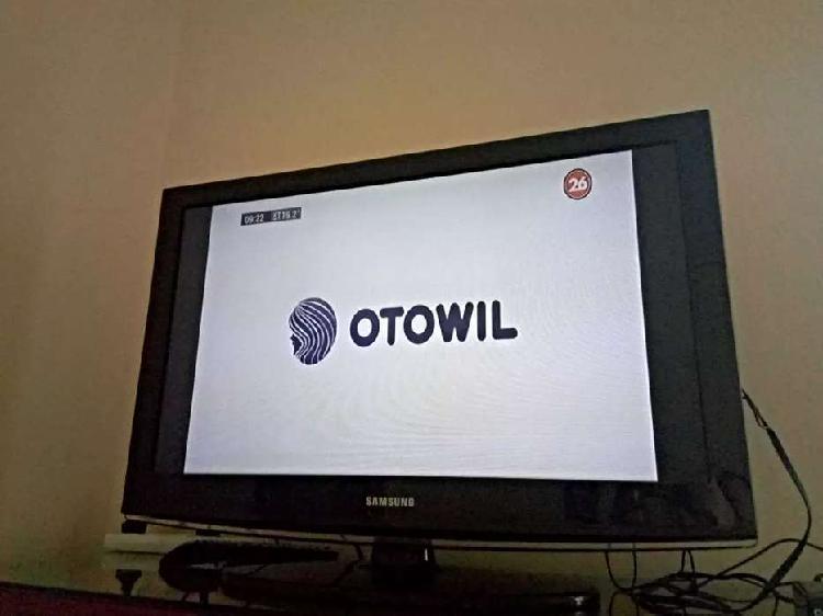 "TV Samsung LCD 32"" full HD con control"