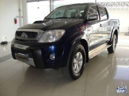 Toyota Hilux 3.0 srv tdi 4x4 cd c/cuero 2011