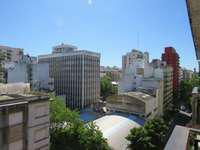 OPORTUNIDAD!! 2 Ambientes a la calle con balcon saliente