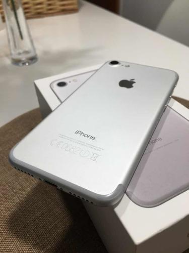 iPhone 7 32gb Silver. Impecable!! Con Caja Y Accesorios