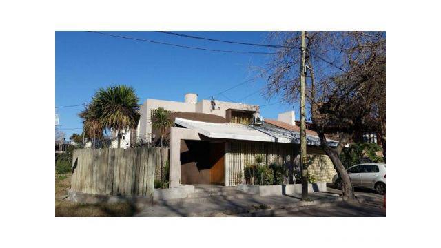 Casa esquina Guaymallen -3 dormitorios 2 baños- Categoria