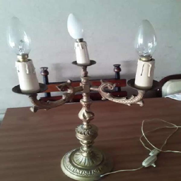 Lampara de bronce macizo tres luces