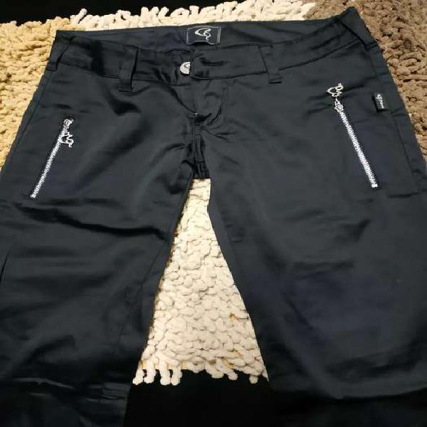 Pantalón chupín negro elastizado talle 42
