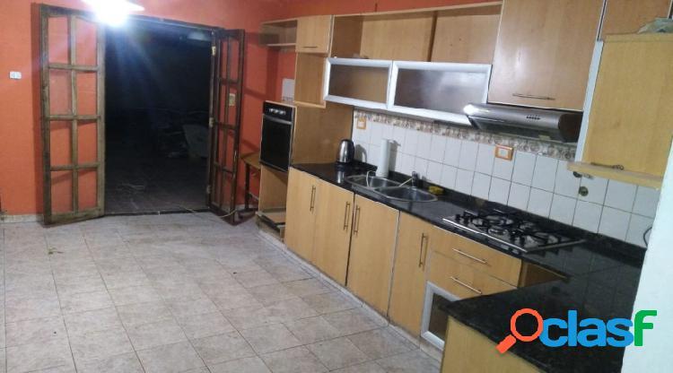 Alquiler Casa 3 Dormitorios con Patio Bouwer