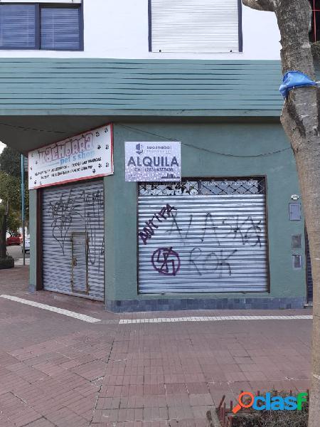 Alquiler Local en Esquina/ Sobre Avenida Jara/ Macro centro