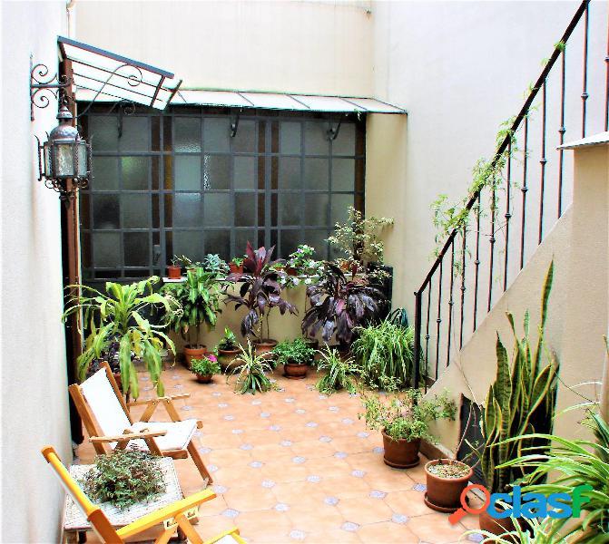 Casa de 6 ambientes con terraza y quincho