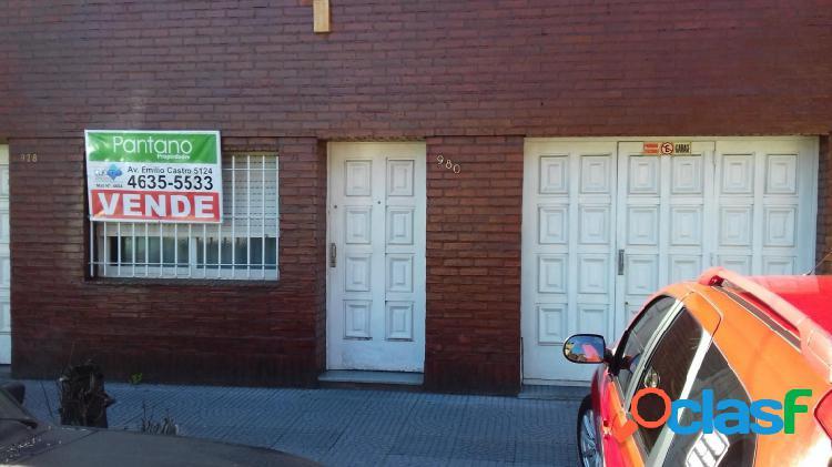 Casa en PH de 3 amb. al frente, cochera (2 autos), patio,
