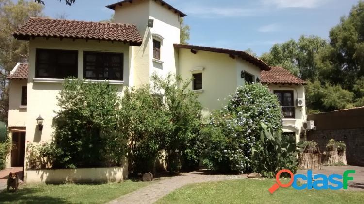 Excelente Casa quinta - venta - Parque Leloir - 5 ambientes