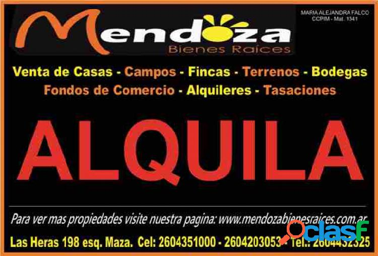 SE ALQUILA GALPON PARABOLICO MUY AMPLIO DE 600 M2 CON SALON