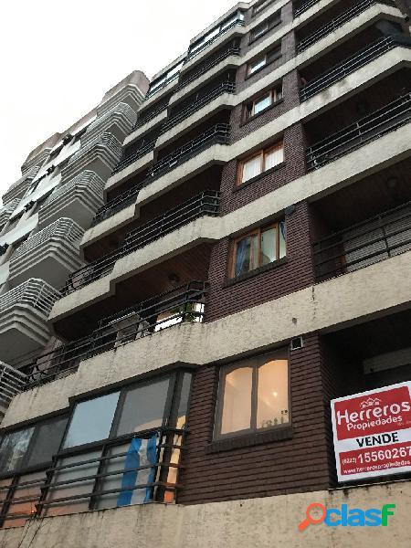 Semipiso 2 ambientes al frente con balcon saliente