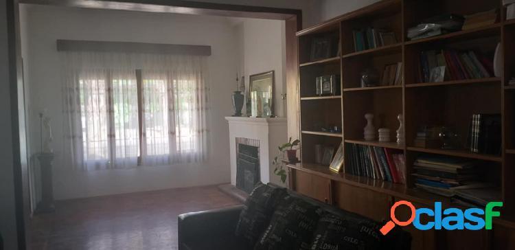 #Vendo chalet céntrico señorial con terreno de 348 m2