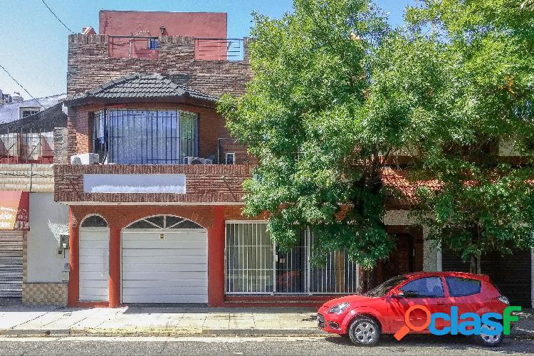 casa 4 amb con garage sobre terreno propio