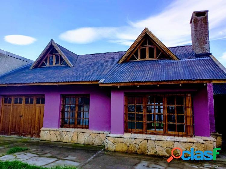 Grupo Patagonia I VENDE I Casa a Refaccionar sobre lote de