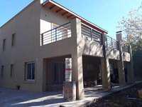 Alquiler Casa Desarrollada En 2 Plantas. 3 Dorm. Depend - $