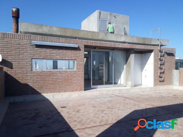Amplio Monoambiente al frente con balcón - Reciclado a