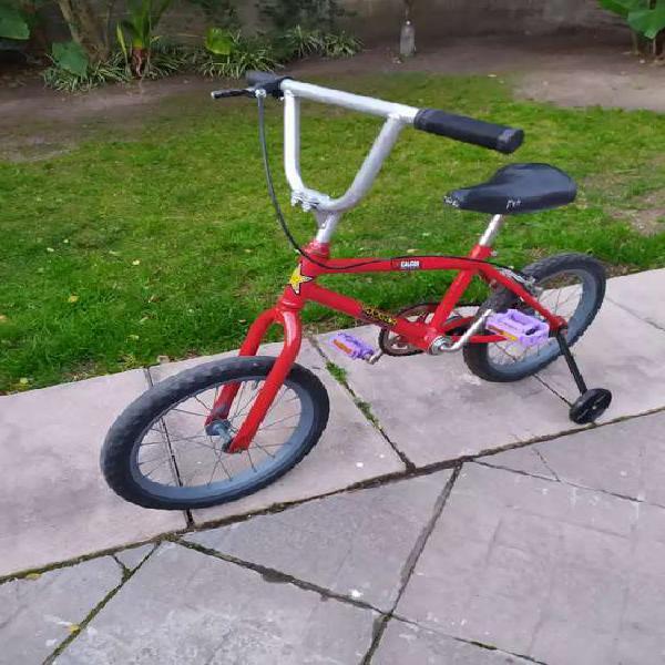 Bicicleta para niños rodado 16 en buen estado con rueditas