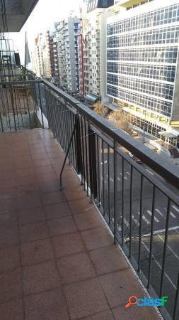 Departamento 2 ambientes c/balcon corrido al frente