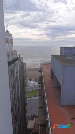 Departamento 3 ambientes con vista al mar en venta