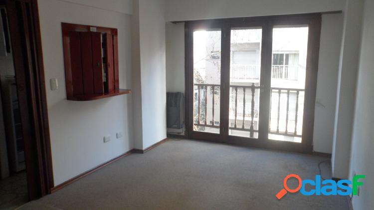 Departamento de 1 ambiente en alquiler c/ balcón