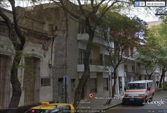 Montevideo alt 1000, en dos plantas, 8 habitaciones, 5