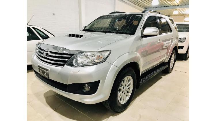 Vendo Toyota Hilux SW4 3.0 Tdi Srv Cuero /Diésel-Año