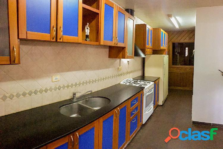 Casa 4 ambientes Patio Piscina Garage Quincho en Colinas de