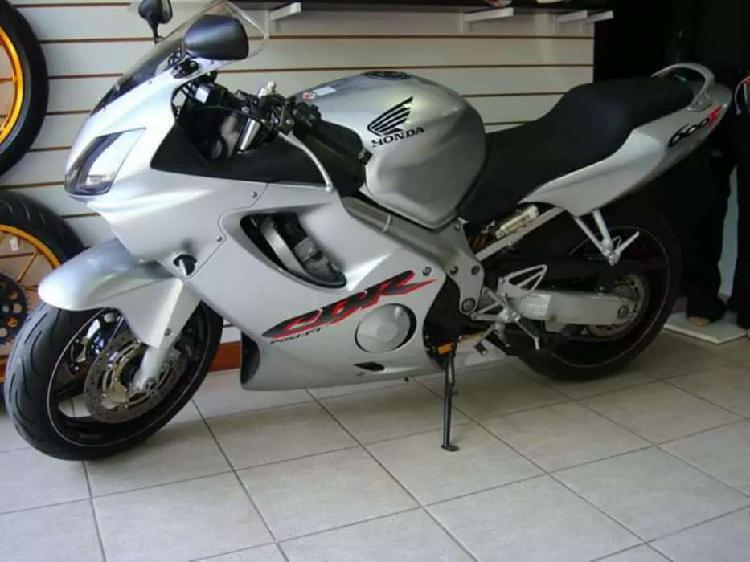 Honda CBR 600 línea nueva 2001 titular permutaria