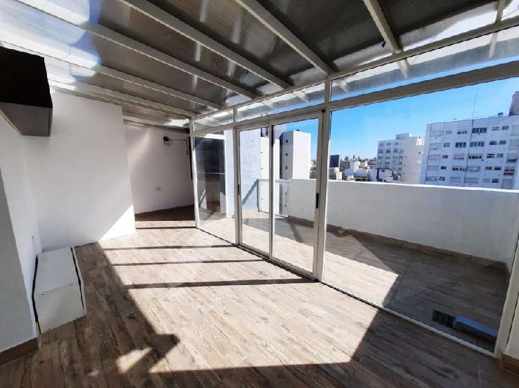 Departamento 2 ambientes a la calle + terraza privada con