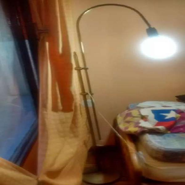 Lámpara de pie bronce para rincón