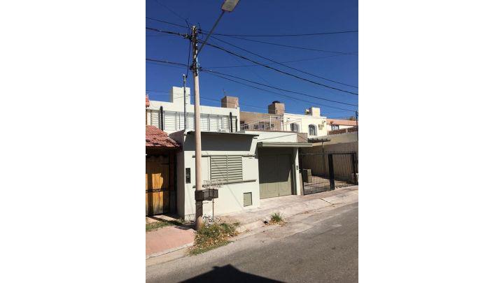 Vendo Hermosa casa en Godoy Cruz B° Fuchs (20)
