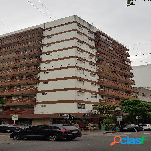 3 amb a la calle c/balcón. Mitre - Rivadavia