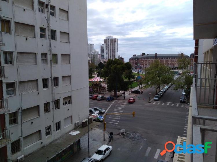 3 ambientes c/ depend. con balcón. Reciclado. Z/ Plaza
