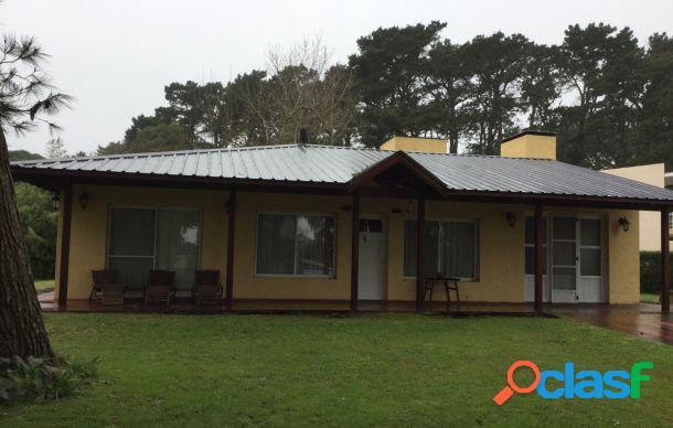 Casa 4 ambientes en Country Mar chiquita