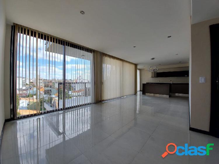 Departamento cuatro ambientes con balcón terraza