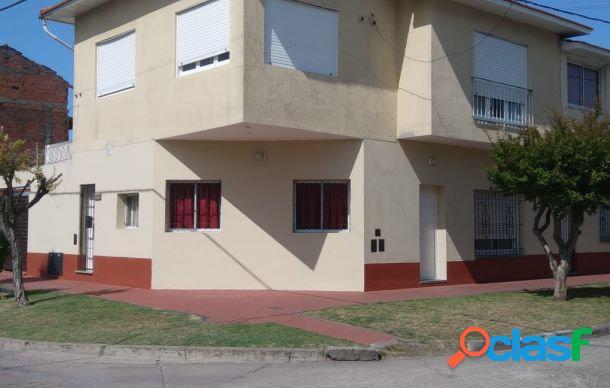 Ph de 1 ambiente con balcon. Planta alta.