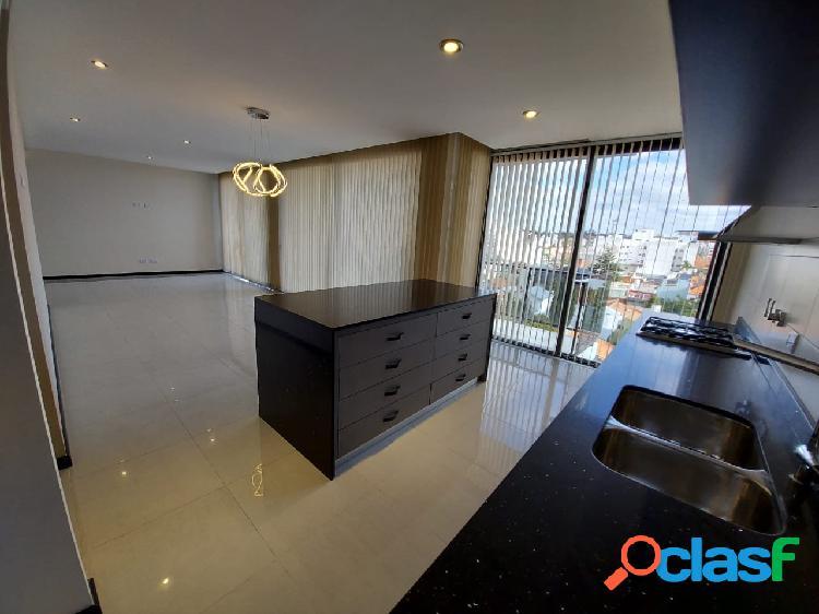 Piso 4 ambientes con balcón terraza y dos cocheras