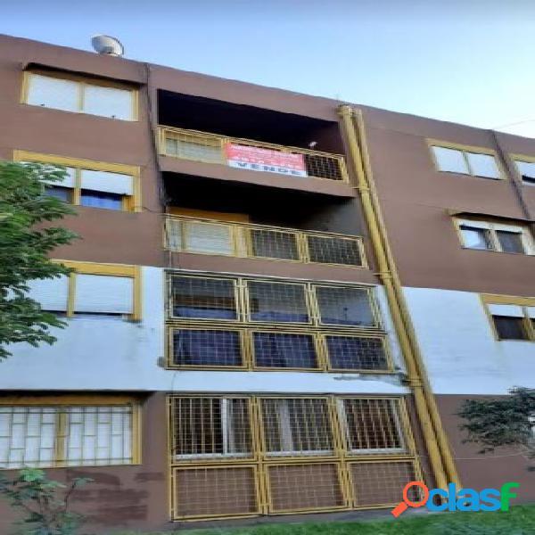 Dpto 2 ambientes al frente con balcon - Barrio Espora -