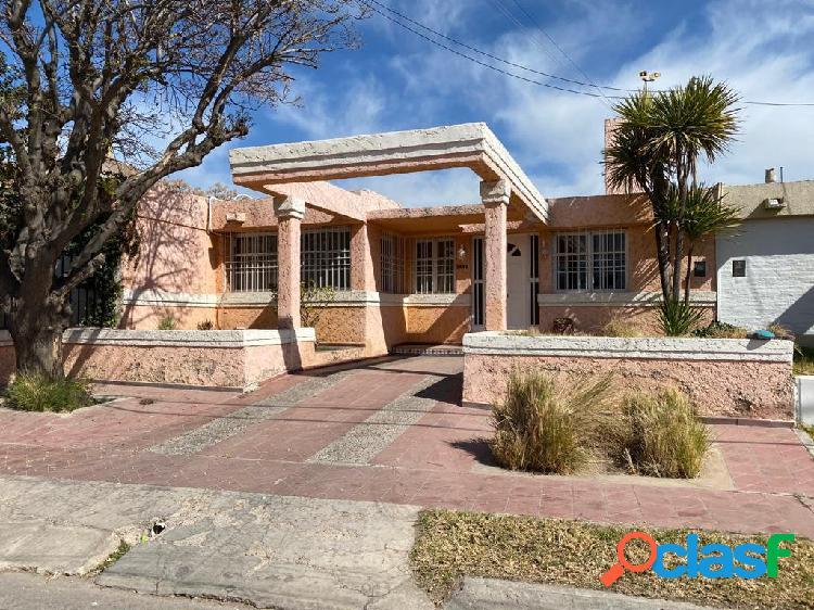 Virtua vende hermosa casa en barrio Fuchs de Godoy Cruz