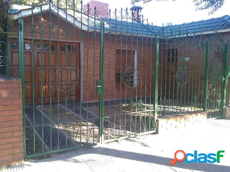 vendo casa en barrio ameghino sud