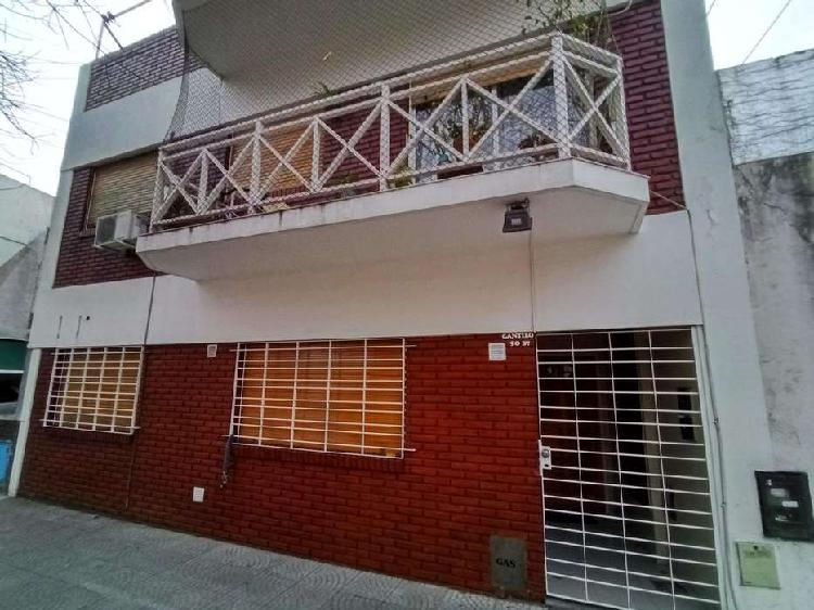 Departamento 3 ambientes en planta baja, patio - Villa