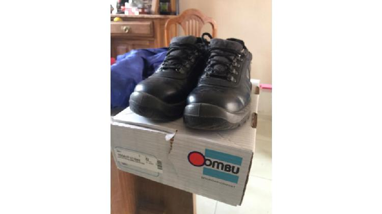 Vendo 2 pares de zapatos de seguridad marca OMBU talle 42