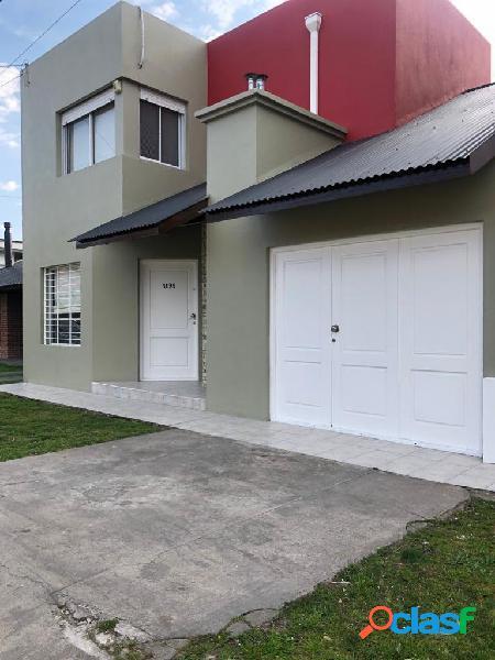 Casa en duplex de 4 ambientes