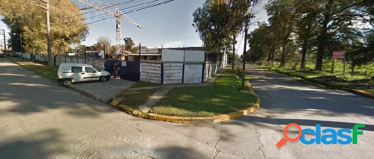 Terreno en esquina con salida a dos calles