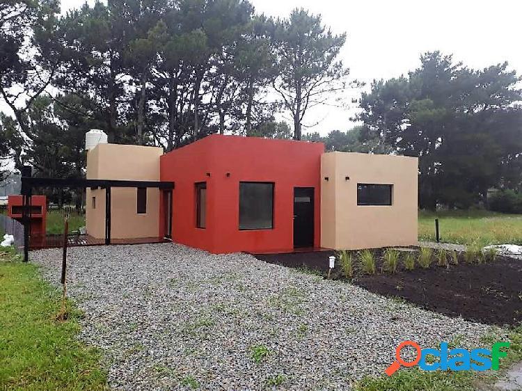 Casa 4 ambientes estilo minimalista