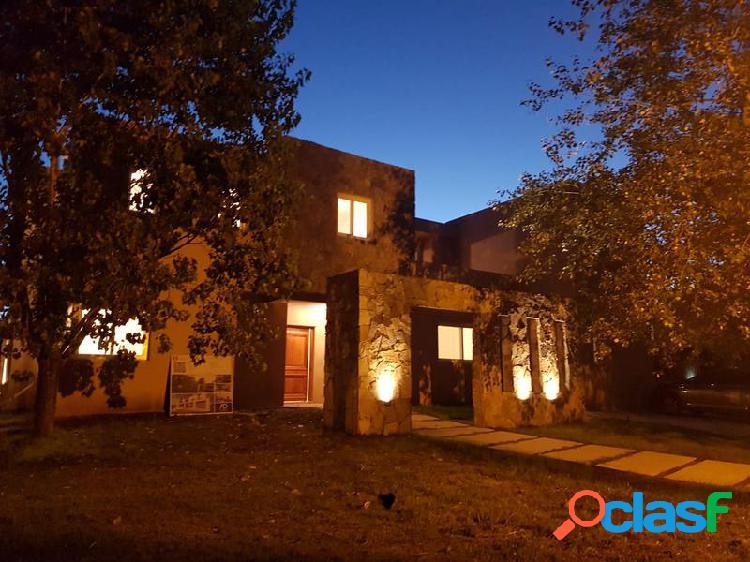 Espectacular casa en Santa Barbara - Alquilada hasta