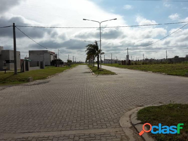 LOTE EN BARRIO ACEQUIAS DEL AIRE ROLDAN - ESCRITURADOS / A