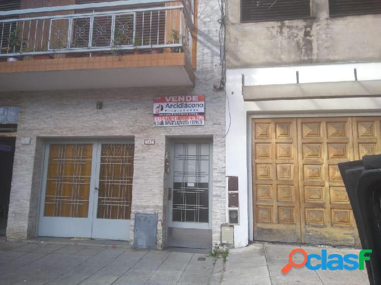 PH 2 AMBIENTES CON (QUINCHO / DEPOSITO), PATIO Y TERRAZA